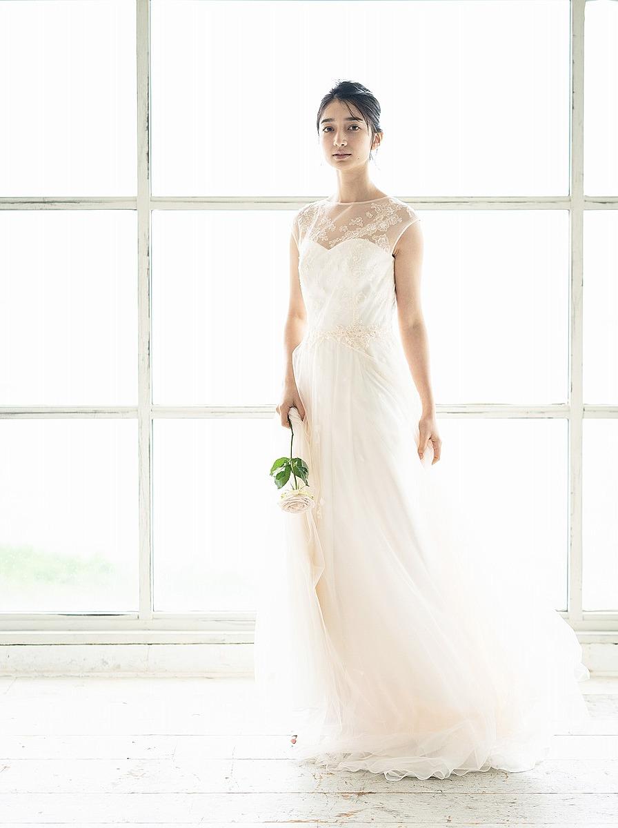 ペールピンク/フレンチスリーブドレス