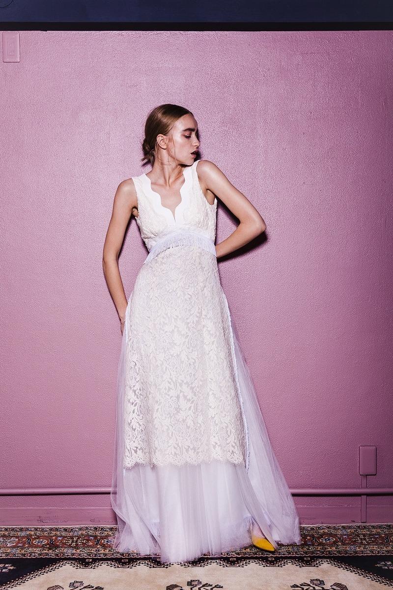 ウェーブネックモールレースドレス
