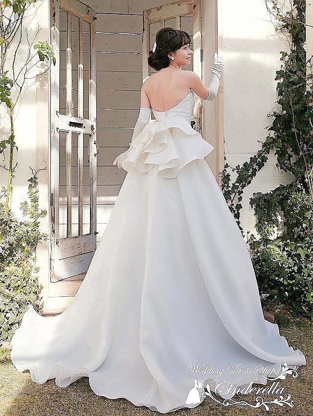 ミカドサテンのフレアヒップウェディングドレス