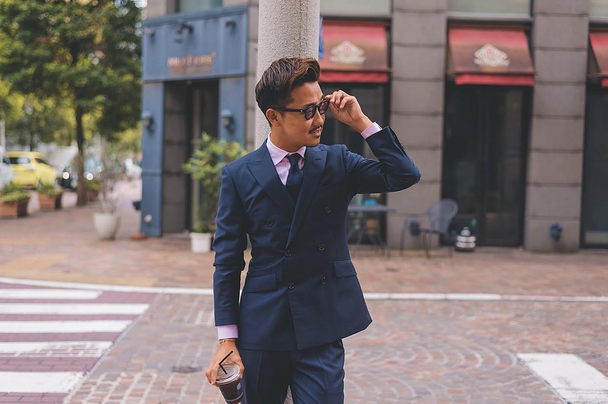 濃紺ダブルスーツ