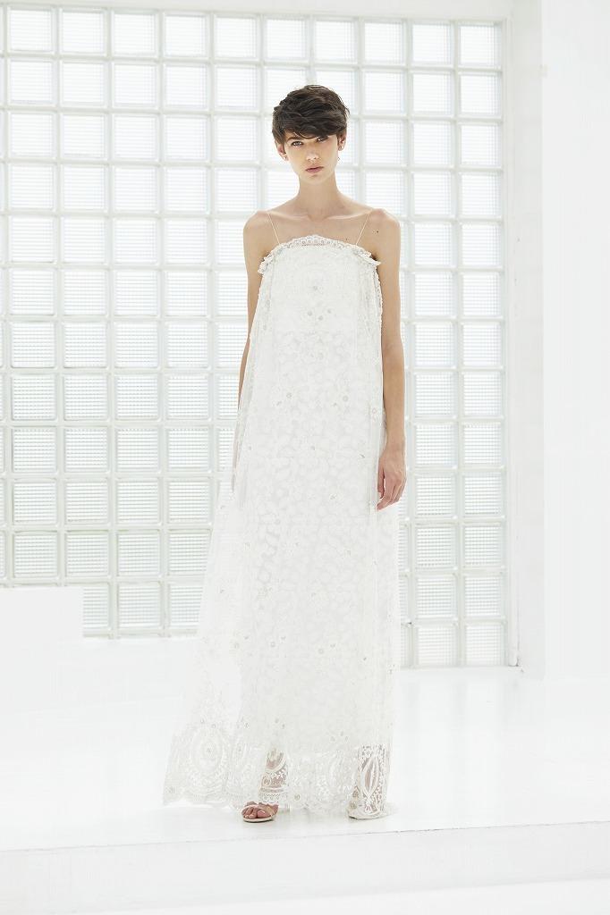 Iラインビージングドレス(フェザーオーバースカート付き)