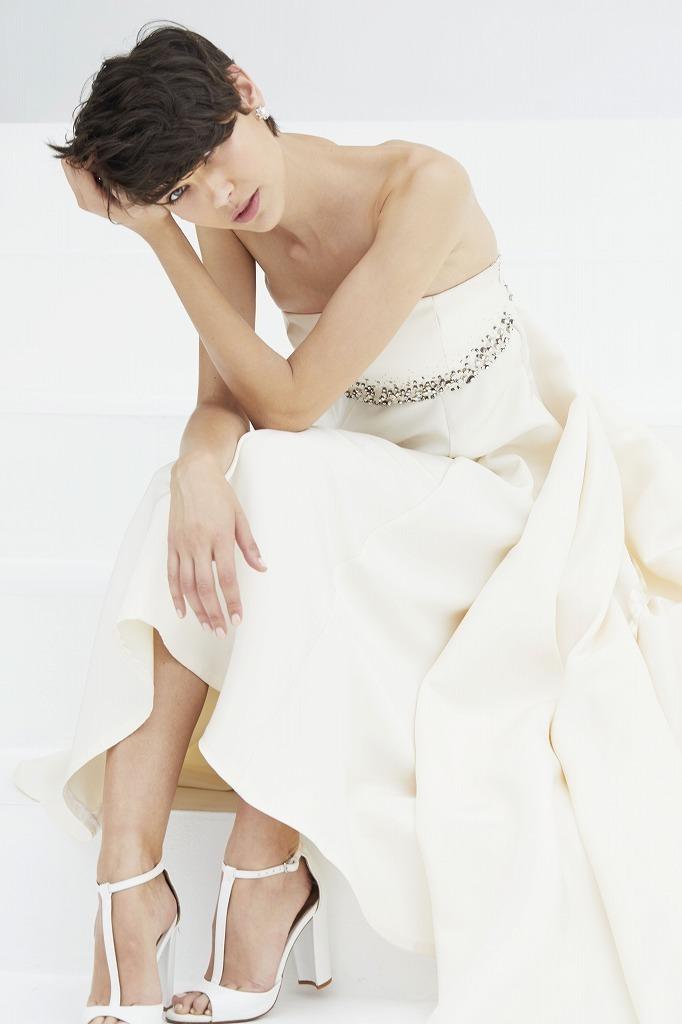 エンパイアビージングドレス