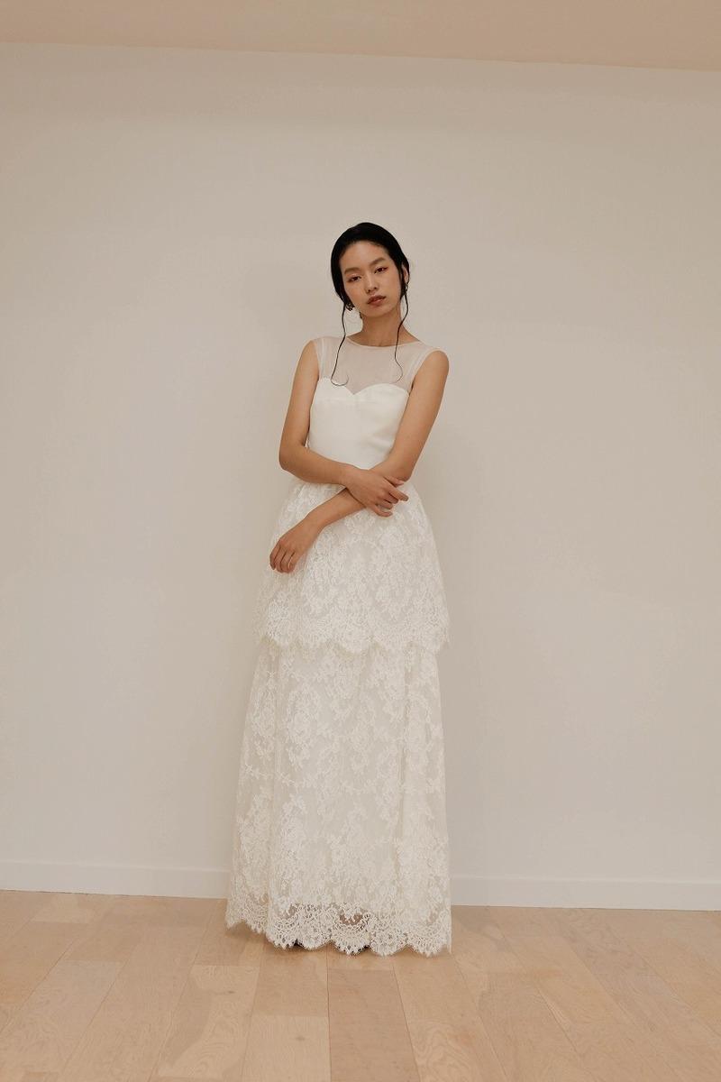 コードレースティアードドレス