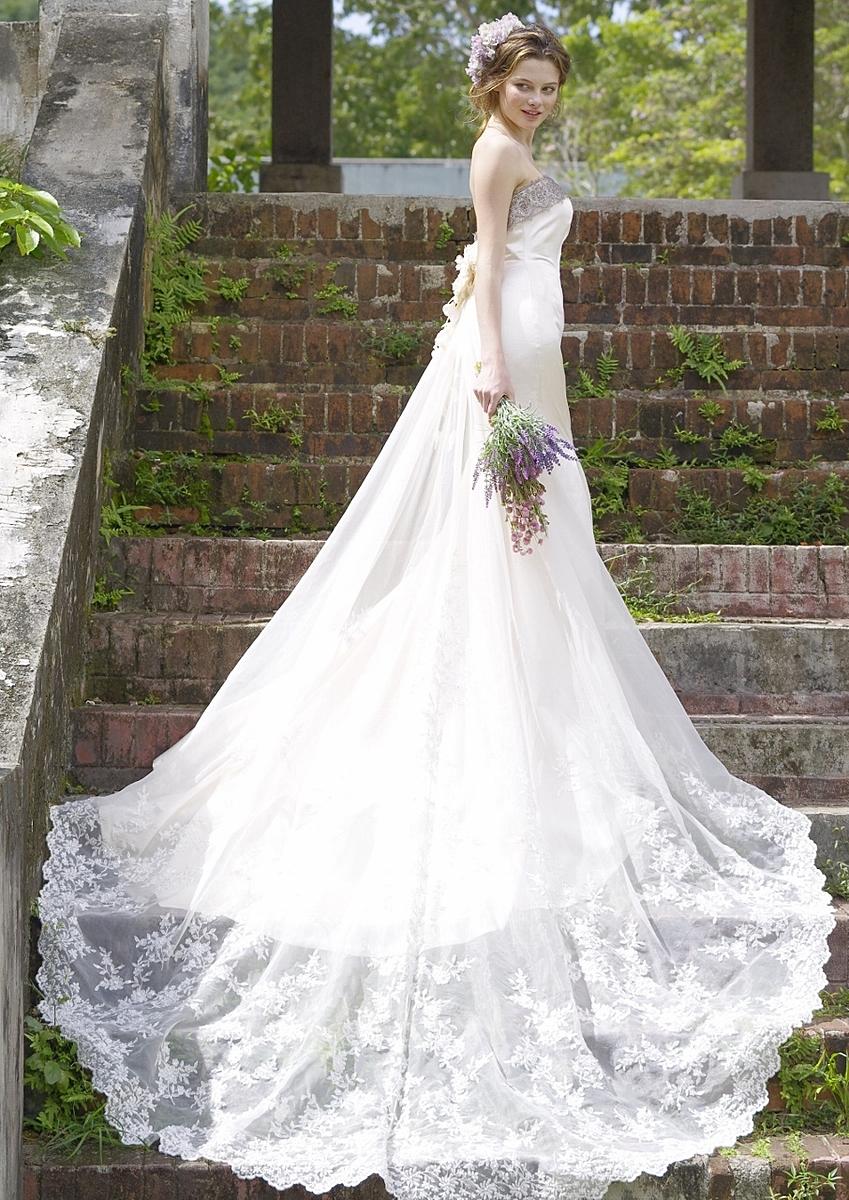 ビスチェタイプのマーメイドドレス